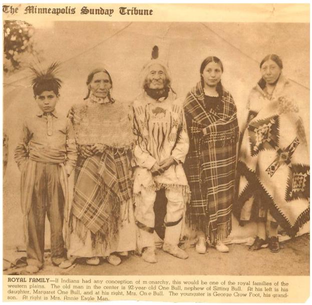 minn-p28-royal-family